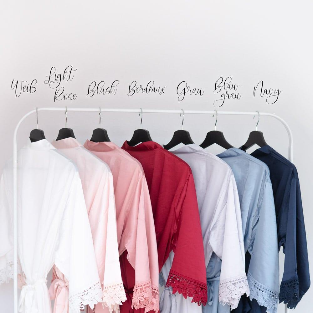 morgenmantel_braut_personalisiert_spitze_brautjungfern_trauzeugin_teambraut_weiss-rosa-blush-rose-mitname-datum1_farben
